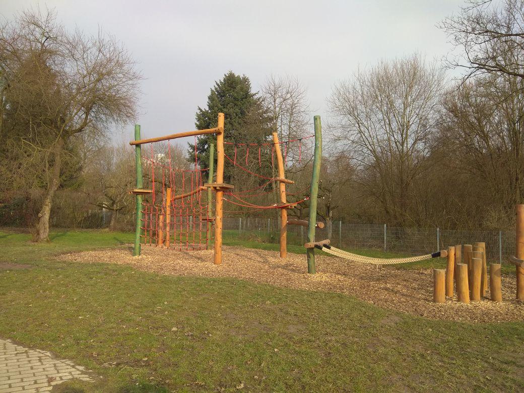 Klettergerüst Schule : Hoch hinaus neues klettergerüst für grundschule